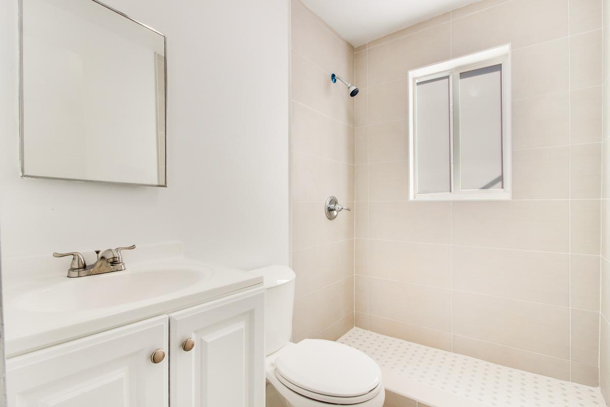 676-Bathrooms-iUSE-photography_img_6133-img_6135.jpg